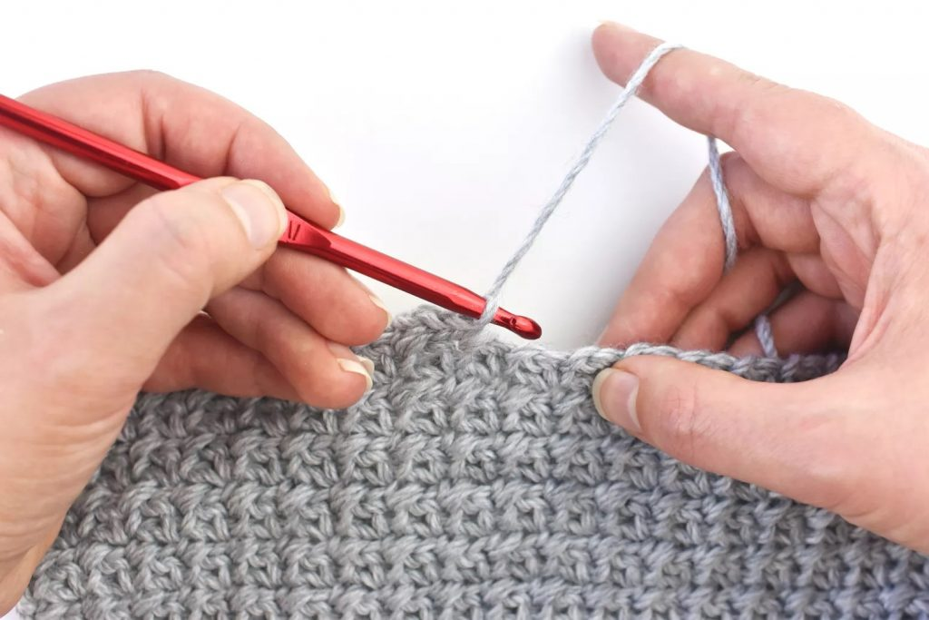 How to Hold Crochet Yarn Right Handed